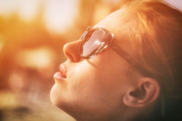 I danni del sole: come rimediare alle imperfezioni della pelle